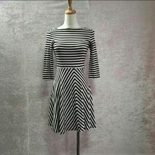 UNIQLO 全新洋裝
