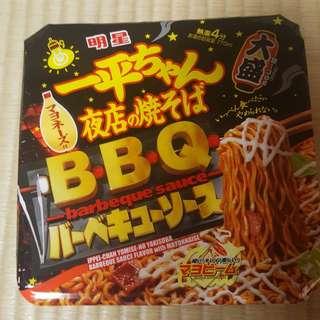 日本直送,一平夜店辛辣豚肉BBQ汁、沙律醬味炒麵,勁好味,夠辣,麵彈牙。