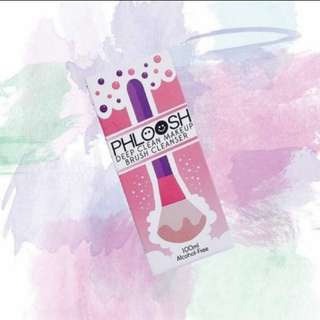 Phloosh Makeup Brush Cleanser (2 left)