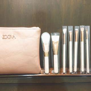 🚚 Zoeva 玫瑰金刷具 Rose golden luxury set