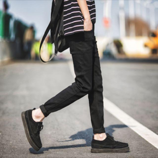現貨尺寸29&30 窄管黑色牛仔褲