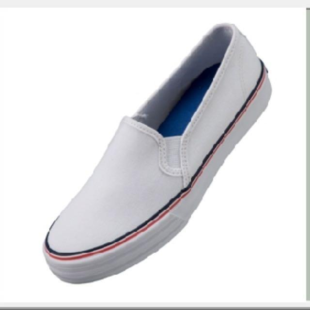 全新白布鞋
