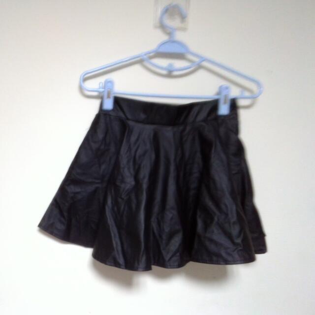 軟皮革短裙