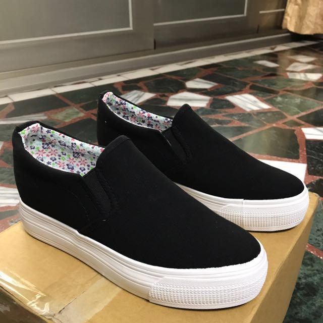 全新 黑色百搭鞋