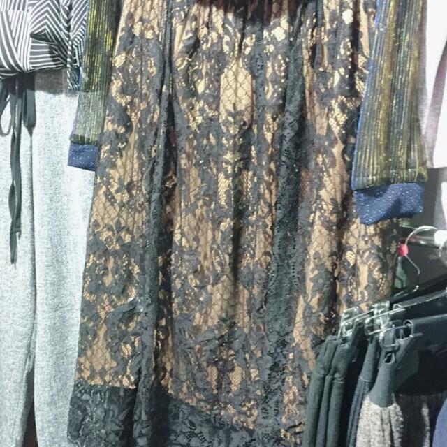 預購+現貨 厚 兩面穿蕾絲拼接裙