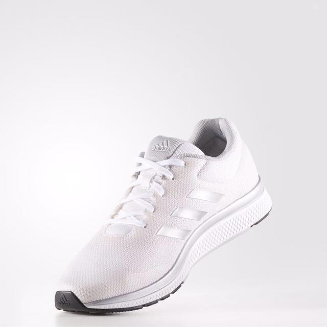 Adidas MANA BOUNCE 2MARAMIS 白 休閒運動慢跑鞋 BW0564