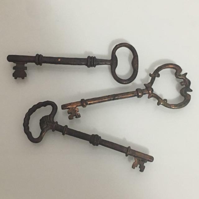 Antique-Look Keys