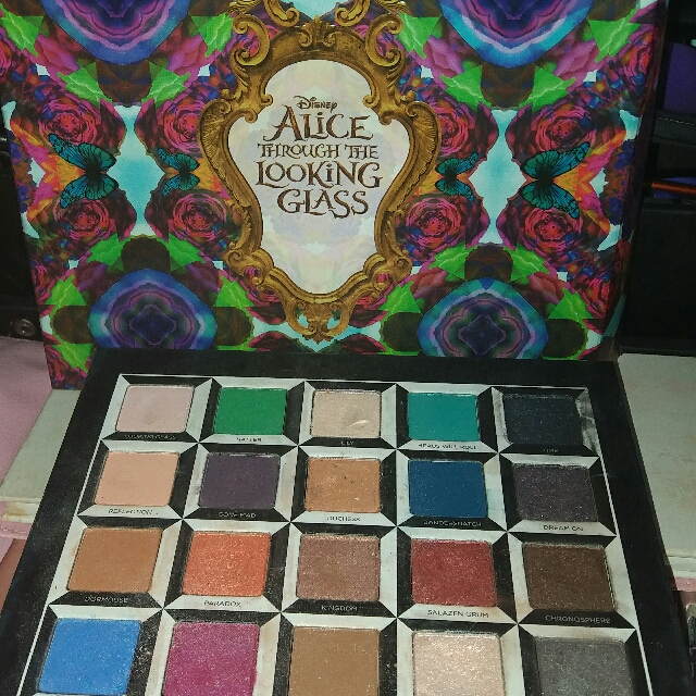 Authentic Urban Decay Alice Through The Looking Glass Eyeshadow Palette
