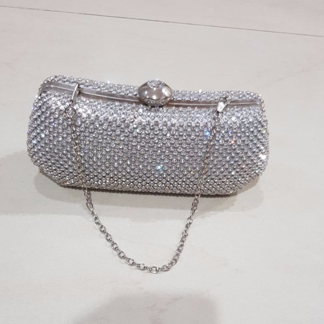 Bejewelled Shiny Clutch
