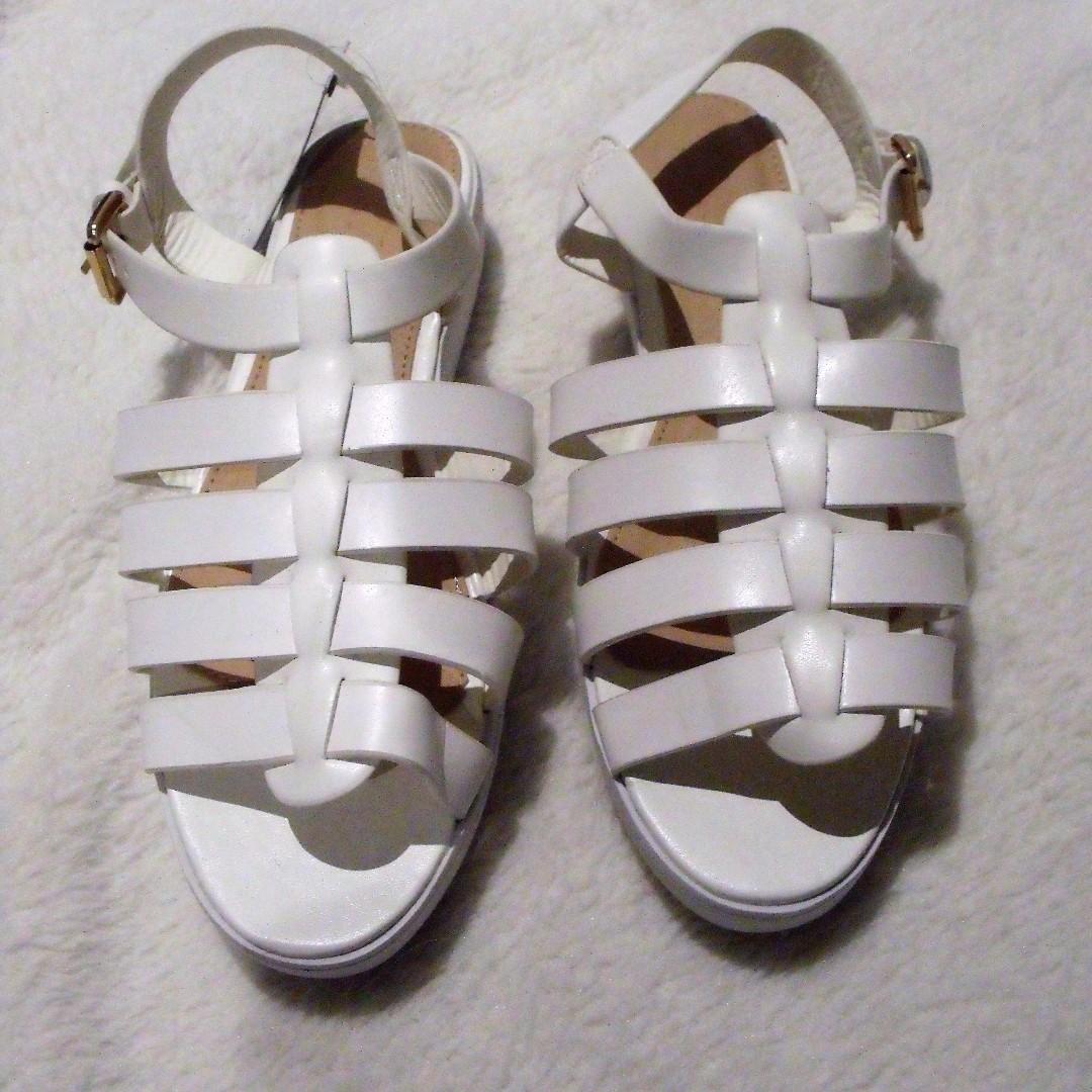 Brand New Mooloola White Sandals - Size 7