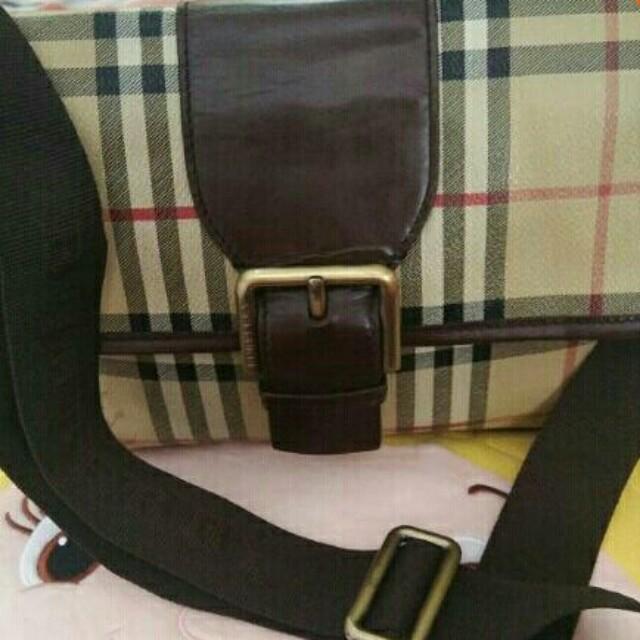 Burberry sling bag REPRICED