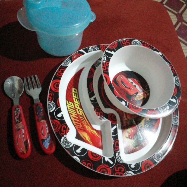 Cars food set with Avent milk.dispenser
