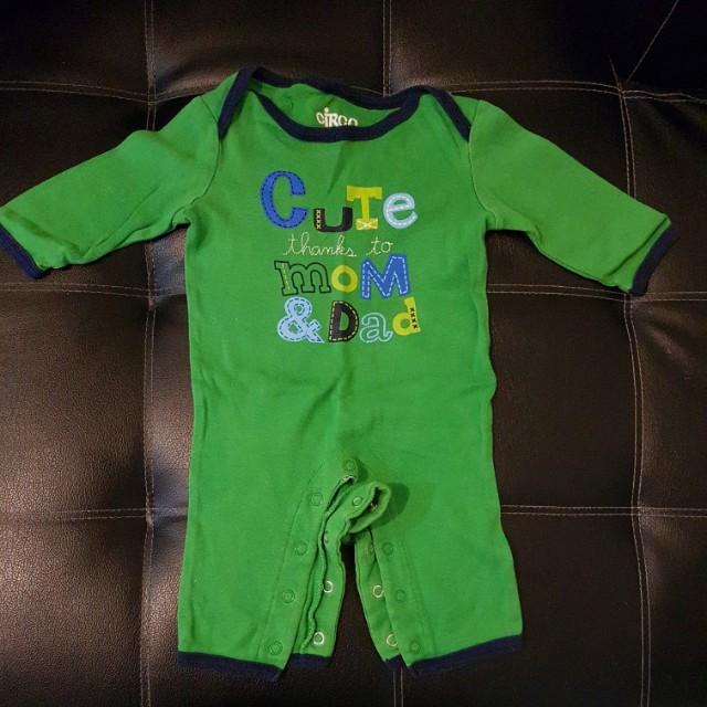 Carter's frogsuit / sleepwear / pajama