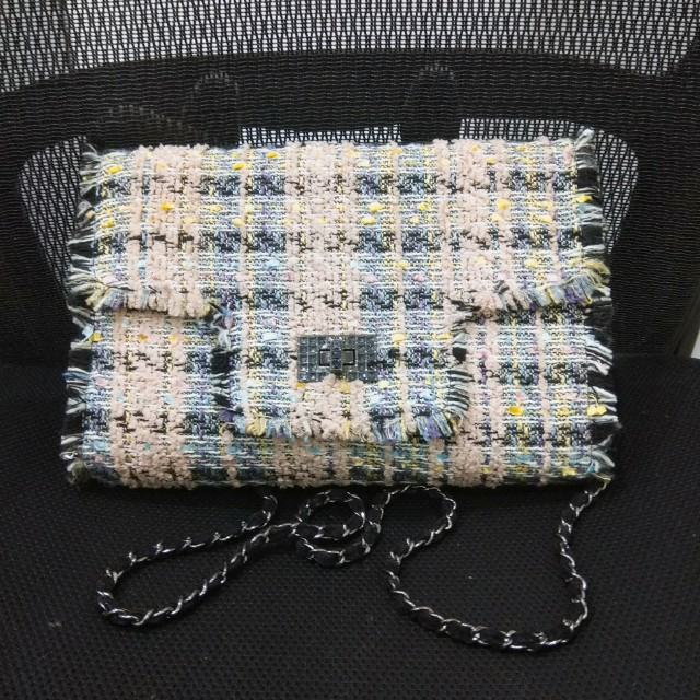 CHANNEL look alike tweed chain bag