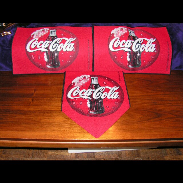 Coca-Cola button table runner and placemats
