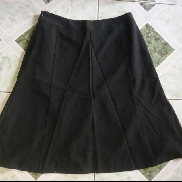 Covington Black Flare Skirt