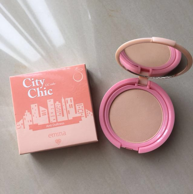 Emina City Chic CC Cake shade Peach