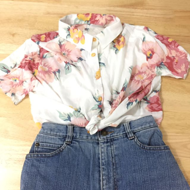FLORAL BUTTON DOWN