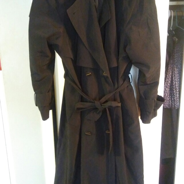 Flowy ladies black trenchcoat