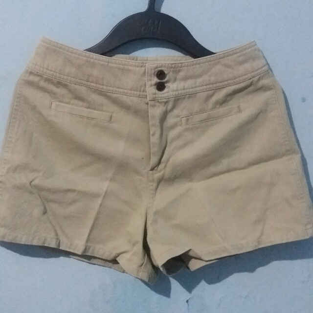 Gap Khaki Highwaist Short