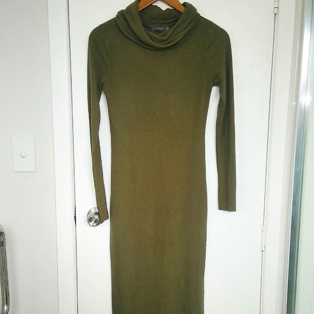 Green turtle neck dress size small