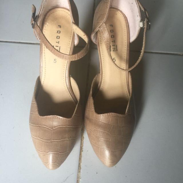 Heels footin