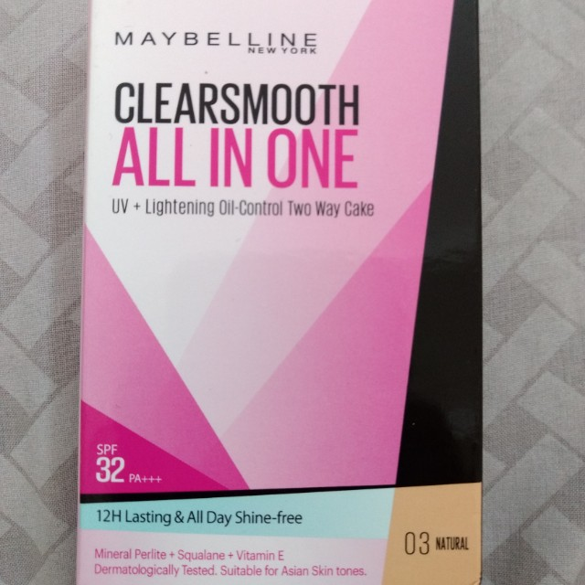 Maybelline Clear Smooth All-In-One Oil-Control Two Way Cake