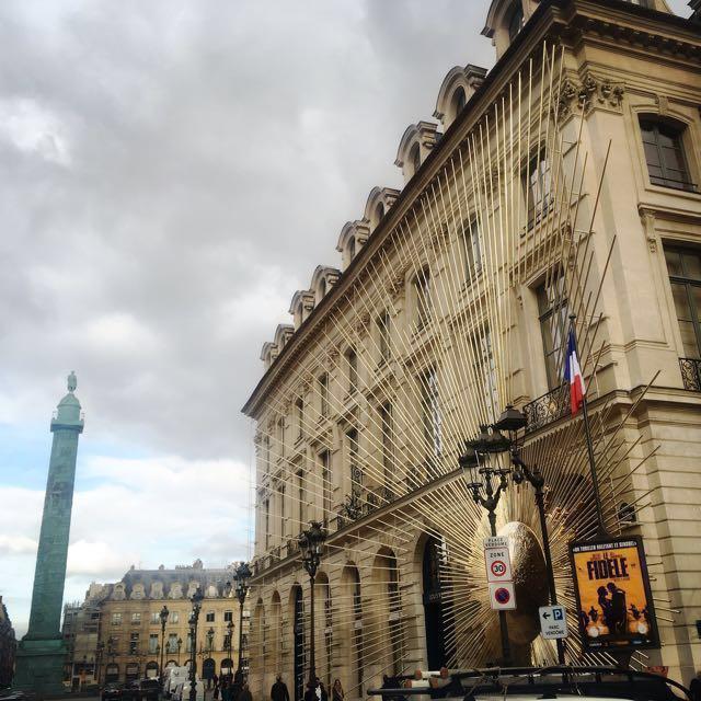 Merci à vous. 謝謝妳們 冷冷的巴黎有妳們陪著我