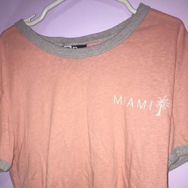 Miami peach tee