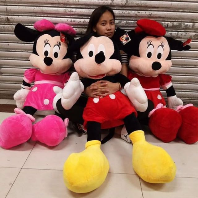 Mickey and minnie mouse stffed toy