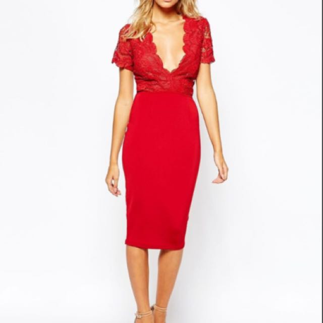 MISGUIDED V Plunge Romantic Lace Dress