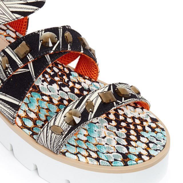 MSGM Women s Black Jewelled Tropical Print Fabric Platform Sandals ... fe655175bc