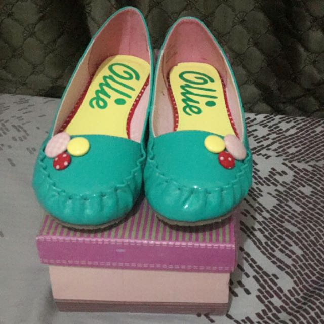 Ollie Doll Shoes