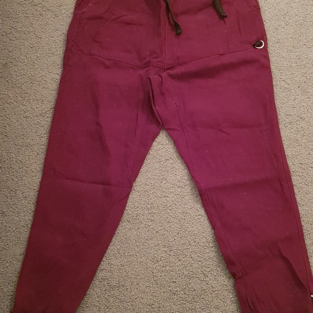 Park red pant