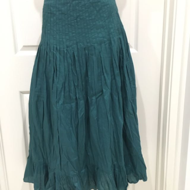 Pleat crush skirt Size 16