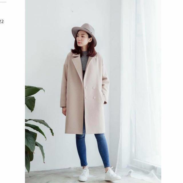 蝦皮售出。REI SHOP。80%羊毛挺版翻領大衣。僅穿一次9.5成新。轉賣。