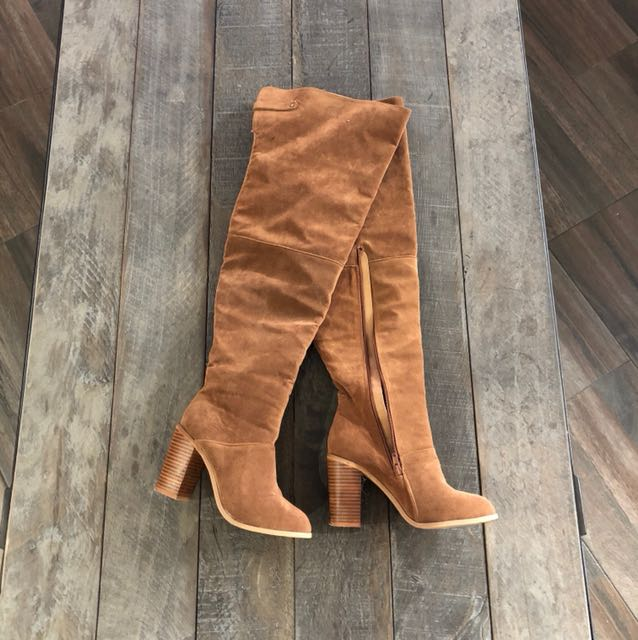RUBI BOOTS | Size 8