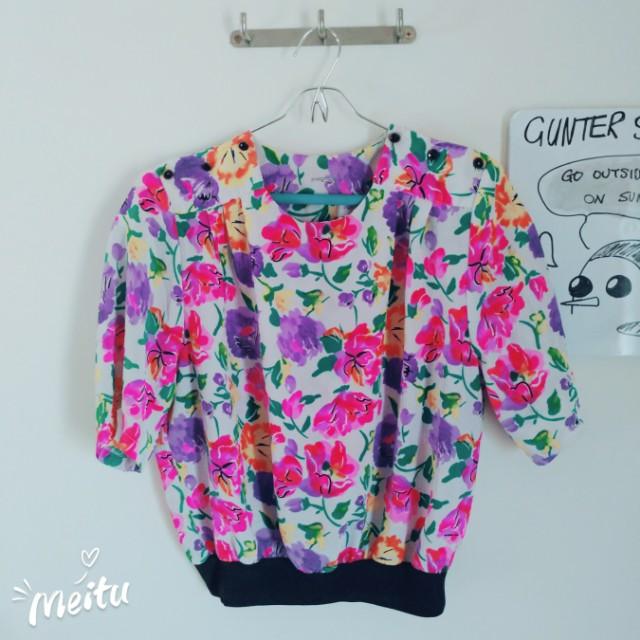 S8♡ Hippie Floral Top