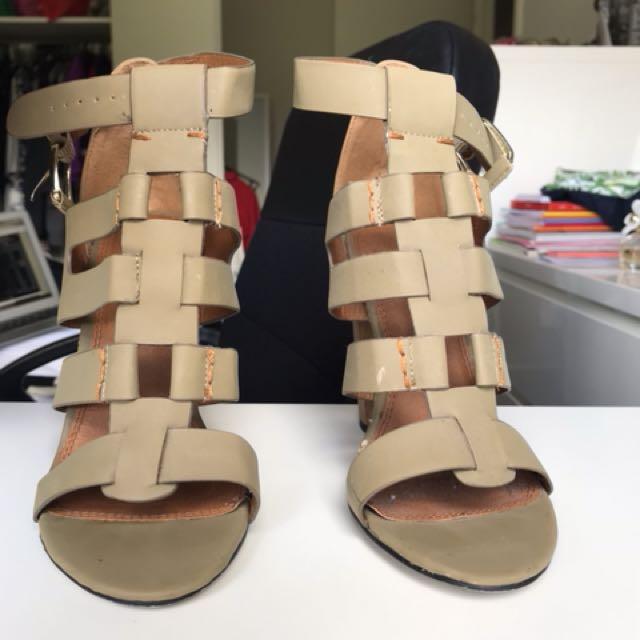 Spurr heels size 9