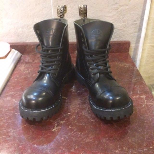 STEEL BOOTS 鋼頭靴