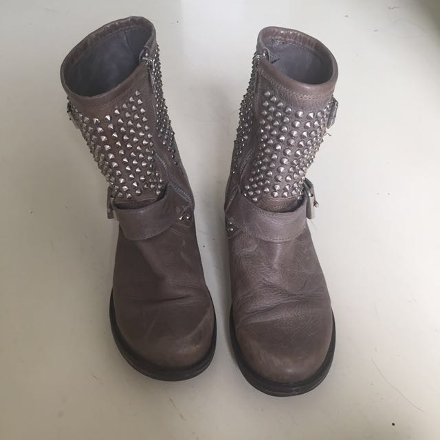 Steve Madden Real LEATHER studded boots