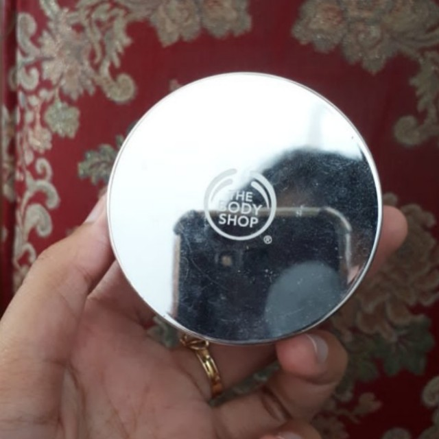 The Body Shop Powder