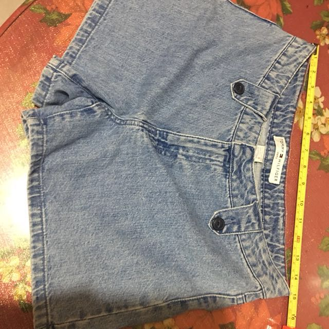 Tommy hilfiger shorts denim waist 28-29