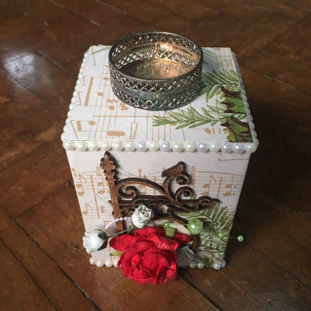 Vintage-inspired Tea Light Candle Holder Home Decor