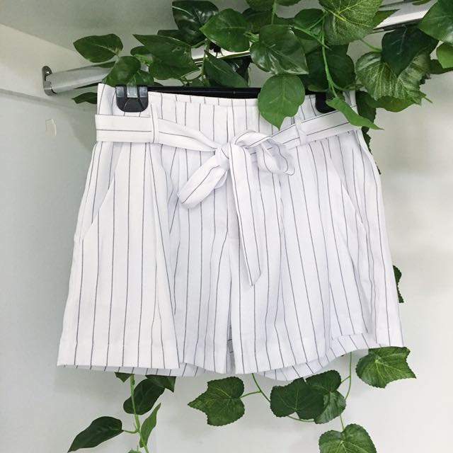 White Black Stripe Tie Up Tailored Style Shorts