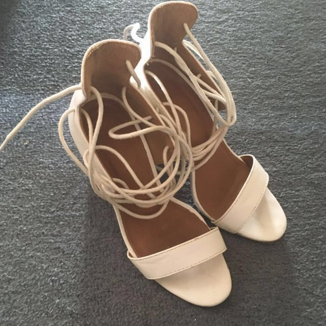 White Lace Up Block Heels || size 36