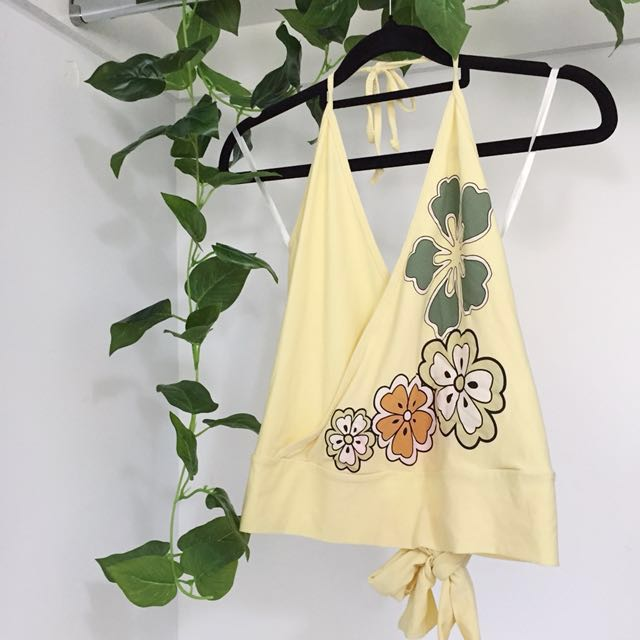 Yellow Flower 90s/Early 2000s Style Halter Top