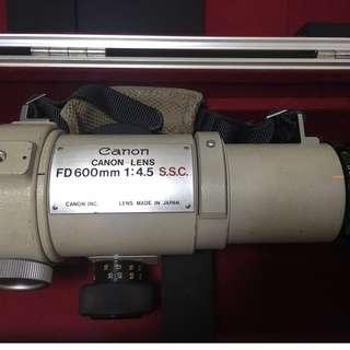 Canon S.S.C 600mm f/4.5 FD Lens