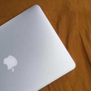 Macbook Pro 13in Retina (Early 2015 Model)