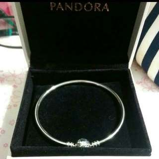 Brand New Pandora Moments Charm Bangle 19cm